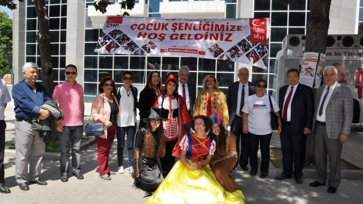 CHP EDREMİT İLÇE KADIN KOLLARI'NDAN 23 NİSAN KUTLAMASI..