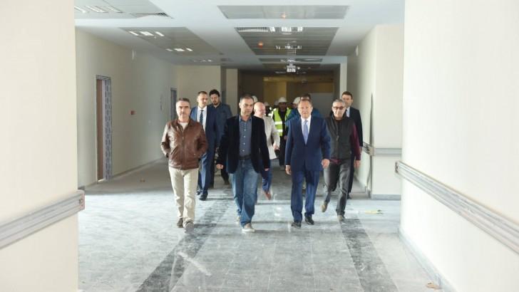 Devlet Hastanesi'nin Yol ve Altyapısı Büyükşehir'den..