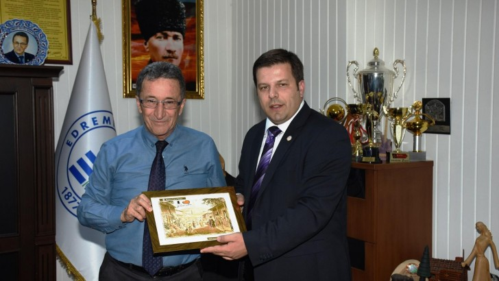 Kosovalı Ticaret Heyetinden  Edremit Belediyesi'ne Ziyaret