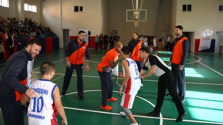 Banvit Basketbol Bahçeşehir Koleji'nde