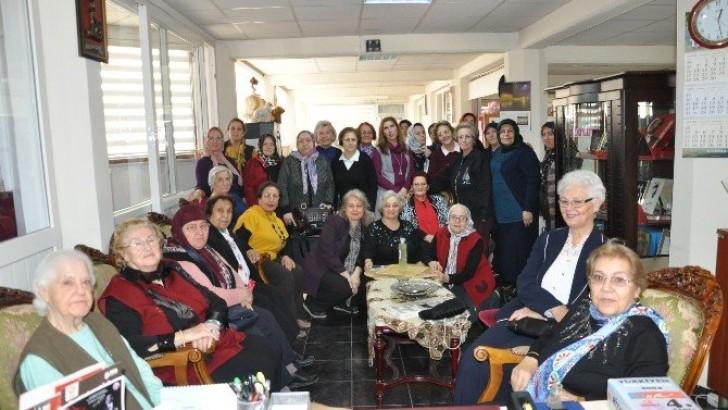 Türk Anneler Derneği'nden 25. Yıl Kutlaması